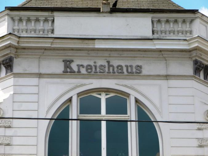 Kreishaus an der Bahnhofstraße/Ecke Kreisstraße. Foto: LRF