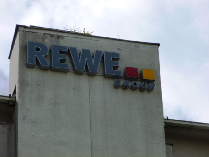 Ehemaliges REWE-Lager an der Eickener Straße. Foto: LRF