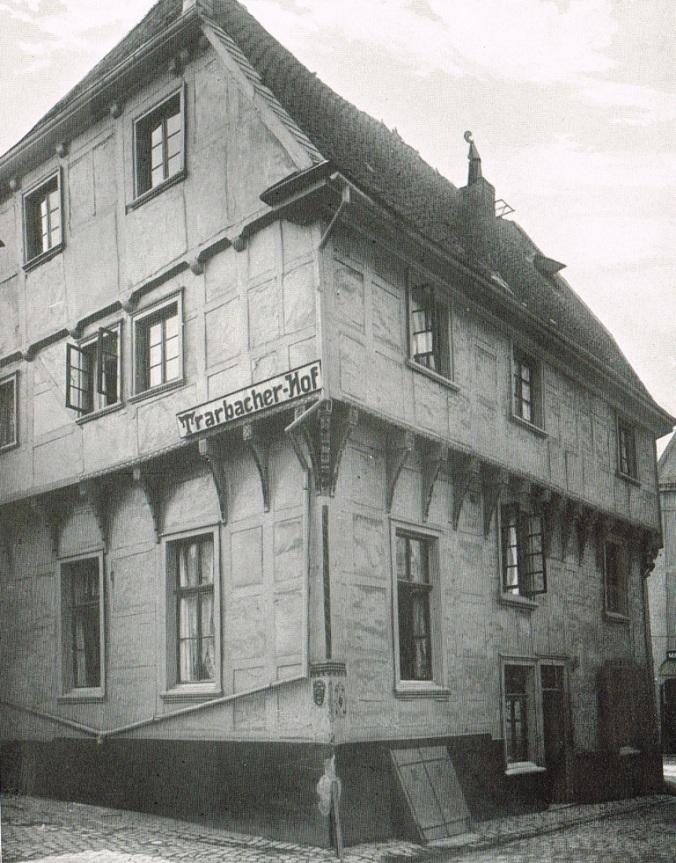 Eine der ältesten Fotografien des Trarbacher Hofes aus dem Jahr 1909. Bild: Albert Ludorff