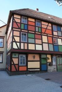 Das bunte Haus in Schmalkalden. Foto: Wutzler