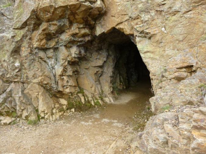 Der Eingang zum Pfunderer Bergwerksstollen bei Villanders in Südtirol. Foto: Lars Friedrich