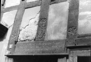 Der Türbereich am Bügeleisenhaus um 1955. Foto: Werth/Archiv des Heimatvereins Hattingen/Ruhr e.V.