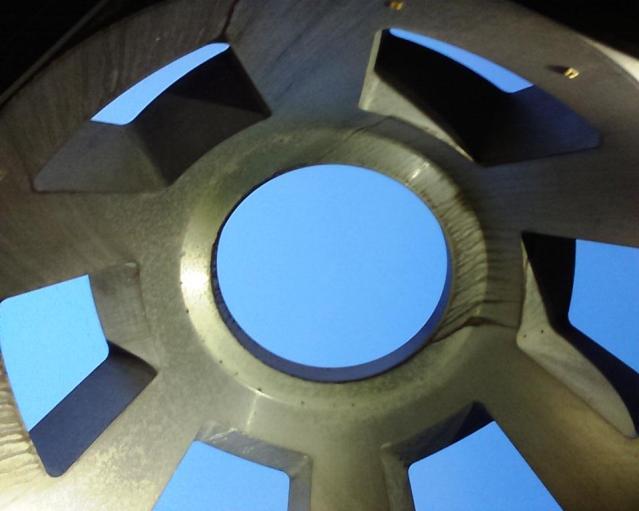 Der Hattinger Cupola-Zwilling vor dem Satkom-Tower. Foto: Lars Friedrich