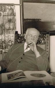 Wohlgemuth im Bügeleisenhaus. Sein Lehnstuhl wird derzeit in der Bergbnau-Ausstellung gezeigt. Foto: Heimatverein