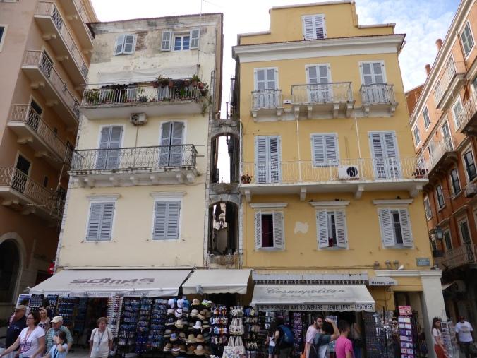 Venezianisch? Französisch? Englisch? Griechisch? Korfu-Stadt hat viele Gesichter. Foto: Lars Friedrich