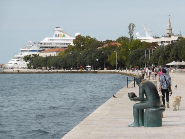 Nahe der Universität sitzt dieser freundliche Heer an der Uferpromenade. Foto: Lars Friedrich