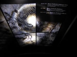 Die Wendelsche Sammlung dokumentiert auch die prähistorischen Kunsttechniken. Steinzeitler arbeiteten mit Farbmineralien und Holzkohle. Foto: Lars Friedrich