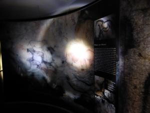 Die Aufnahmen zeigen auch Malereien, die heute zerstört oder verwittert sind. Foto: Lars Friedrich