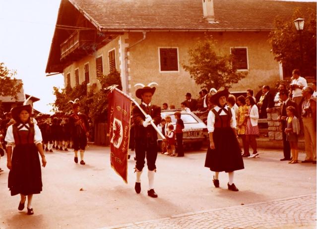 Aus Papas Fotokiste: Tiroler Festumzug Mitte der 1970er Jahre in Natz (?). Foto: Kurt Friedrich
