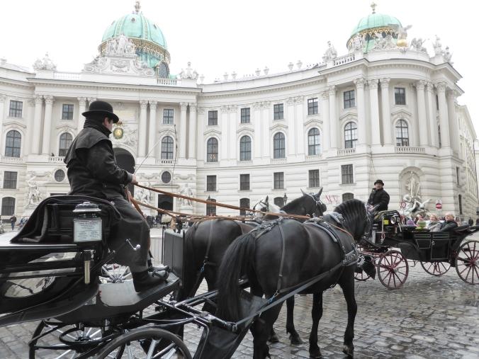 """Ein Bombenattentat erschüttert im """"Tod in der Hofburg"""" das ehrenwerte Kaiserhaus. Foto: Lars Friedrich"""