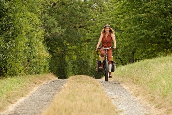 Eine Reise durch Deutschland mit dem Fahrrad. Im Gepäck ein Literaturprogramm und eine große Frage: Bin ich Deutschland? Foto: Michael Obert