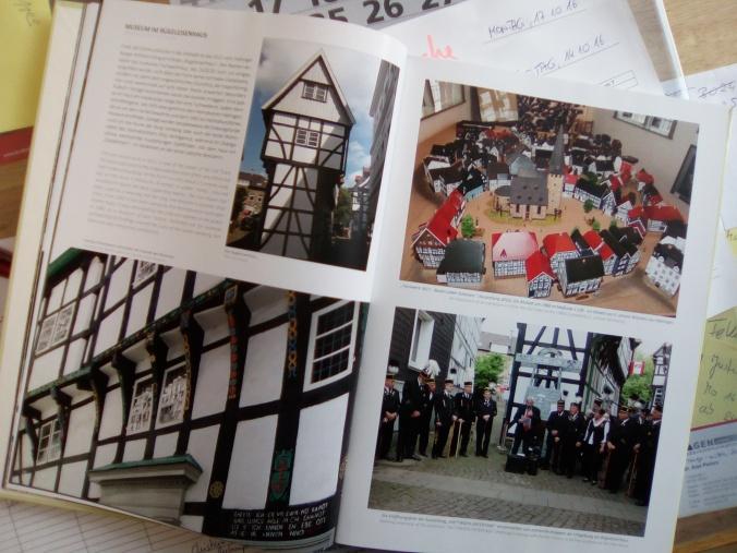 Natürlich auch vertreten: Das Museum im Bügeleisenhaus mit Impressionen aus 2015 (Bergbau) und 2016 (Stadtmodell). Foto: LRF