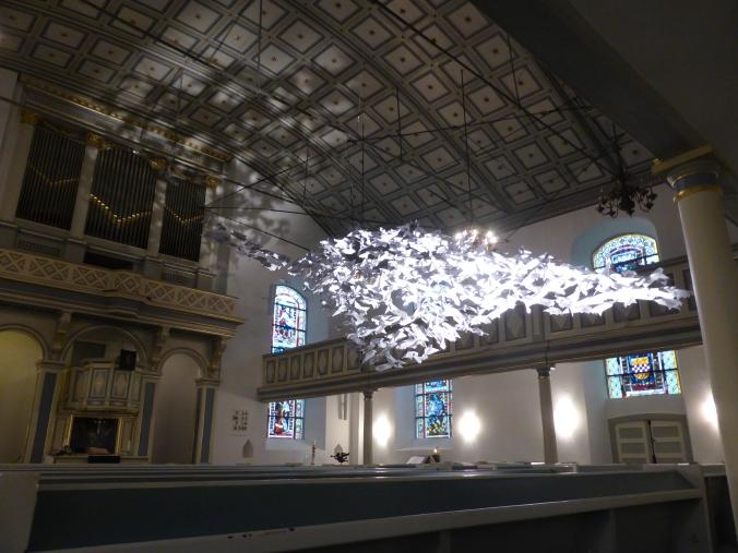 461 Tauben von Holger Vockert in der St. Georgs-Kirche in Hattingen. Foto: Lars Friedrich