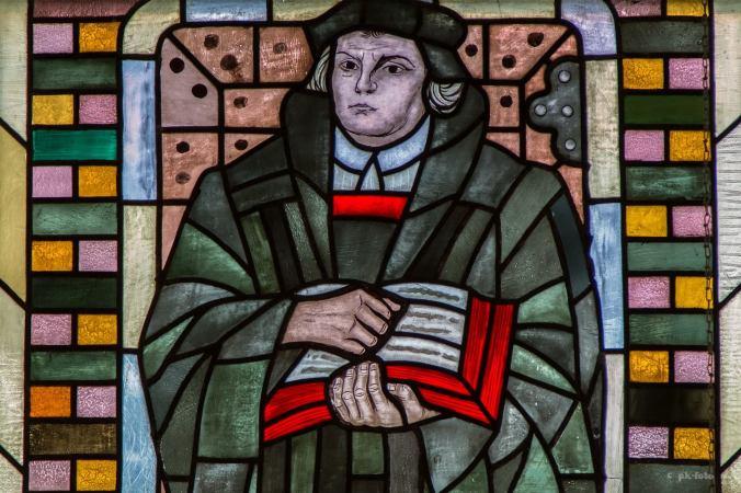Dr. Martin Luther im Talar in der Stadtkirche St. Georg. Foto: Peter Klusmann